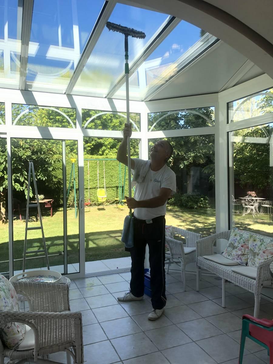 Prestataire pour nettoyage de vitres de veranda à Lyon - C Services Nettoyage